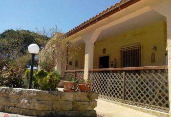 Villa di 140mq in Via per Canicatt a Siracusa